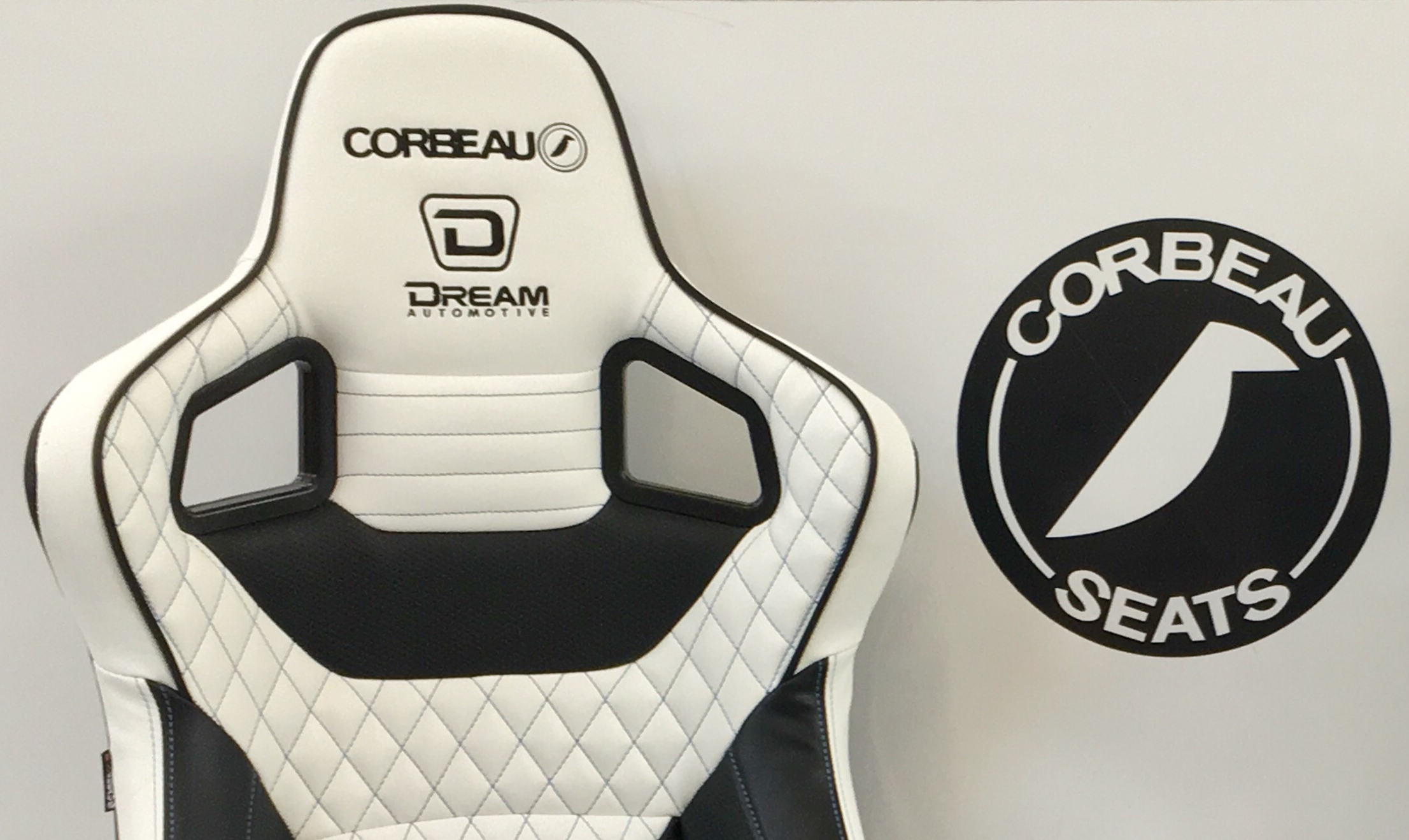 Dream Automotive RRS Corbeau Bucket Seat in White with Black Stitching