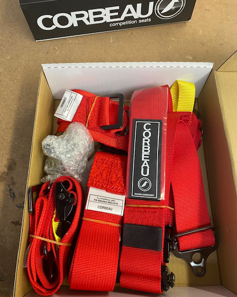 Box of Clearance Corbeau Ultima Pro F2026U 6 Point Harnesses in Red
